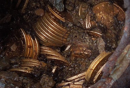 Saddle Ridge Coin Hoard - original photo submitted to Wikipedia by Kagins Inc.